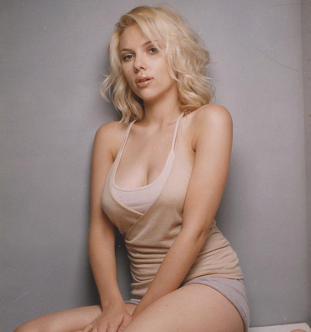Celebrity scarlett johansson blonde hairstyle pictures - Scarlett johansson blogspot ...